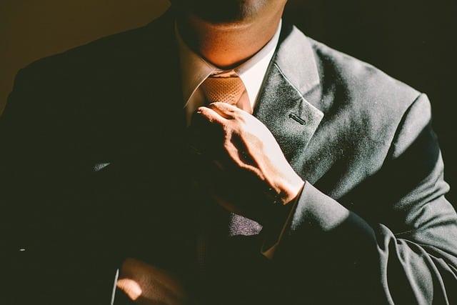 7 gaya fikir yang jadikan lelaki ini jutawan pada umur 22 tahun
