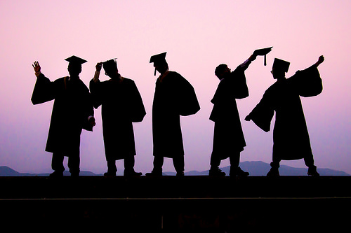 5 tip uruskan duit untuk graduan. Anda pasti suka tip pertama