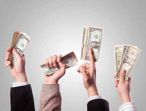 Baca nasihat 5 pakar kewangan ini dan selamatkan banyak duit anda daripada melebur.