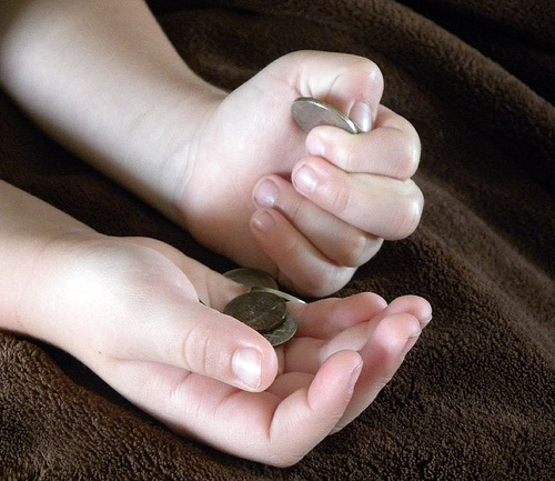 5 cara berkesan didik anak anda menyimpan duit dari sekarang