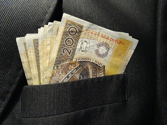 7 tip simpan duit lebih banyak berbanding orang gaji beribu sebulan.