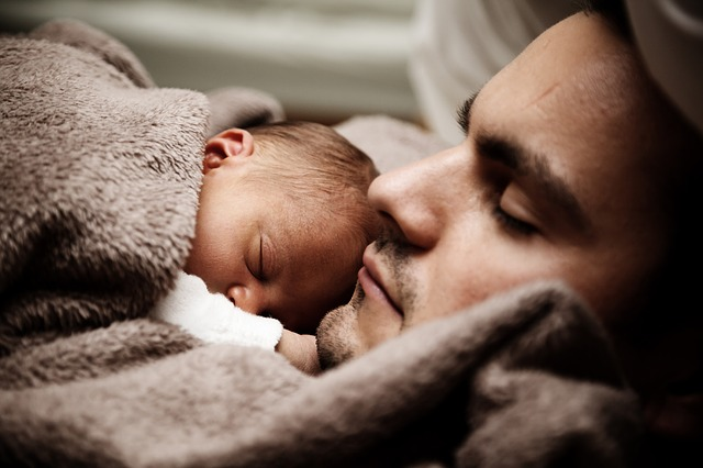 Persediaan selepas kahwin 101: Berapakah kos menjaga anak anda yang bakal lahir nanti?