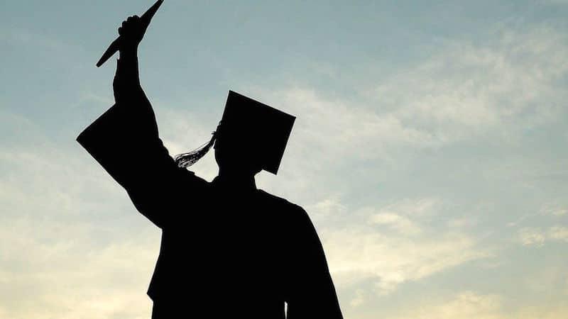 Guna biasiswa dan elaun universiti, dan kumpul RM23533 lepas 3 tahun. Modal hanya RM500 sebulan