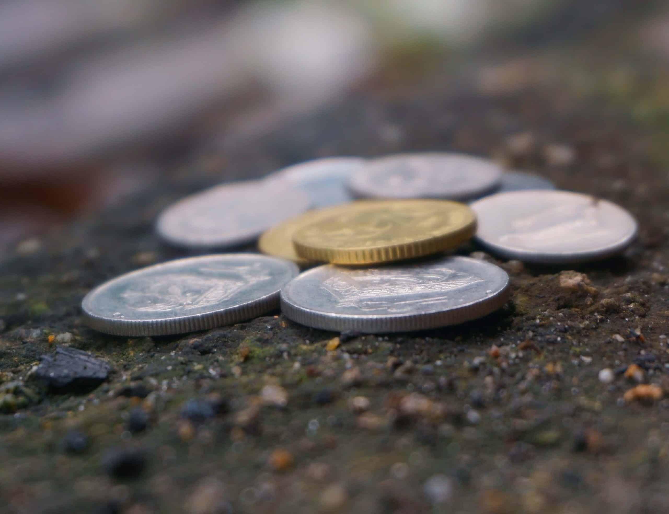 Cara berkesan simpan duit syiling di atas meja